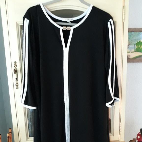 Ana & Kate Dresses & Skirts - Women's Sexy 3x mini dress, slit 3/4 sleeves